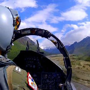 かっこいい!アメリカ軍パイロットのGoPro飛行動画