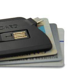 充電に便利。スマートフォン向けカード型USB充電ケーブル